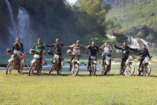 Ride a motorbike from Hanoi to Ho Chi Minh City or vice versa
