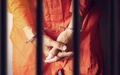 prisoner hands handcuffs