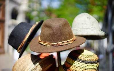 toque hat