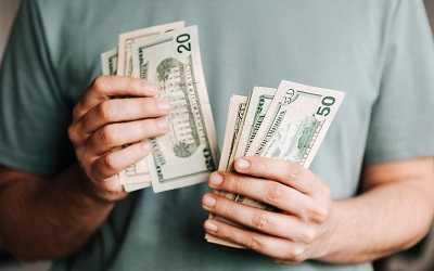 men counting money